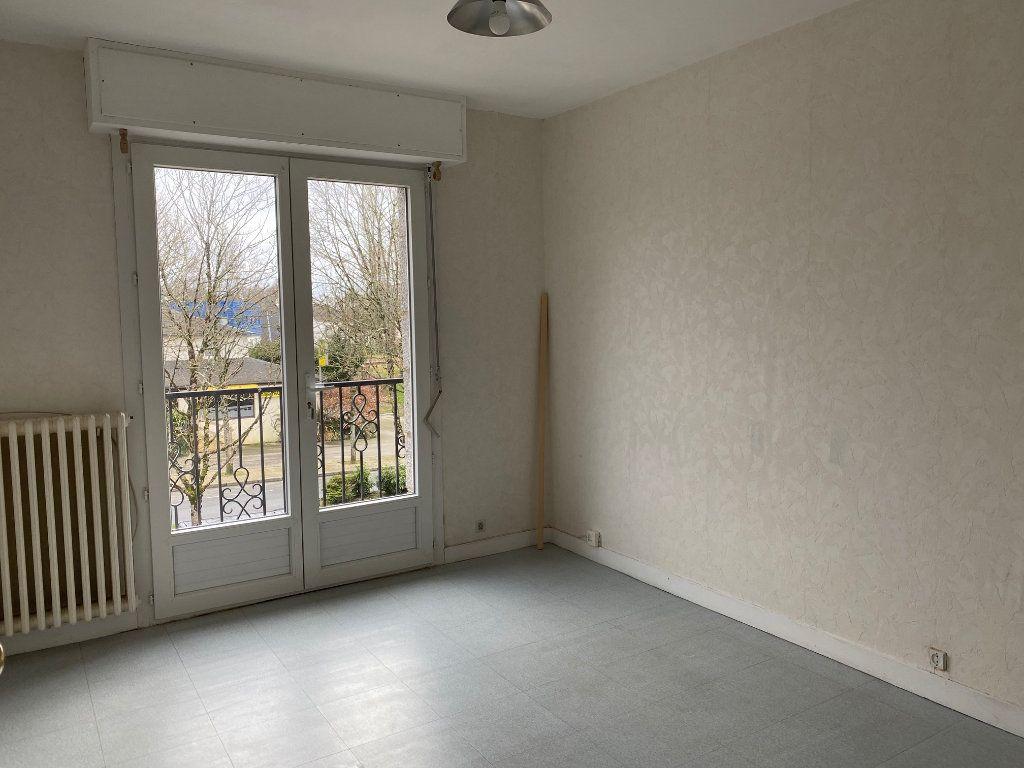 Maison à vendre 5 125.6m2 à Carhaix-Plouguer vignette-7