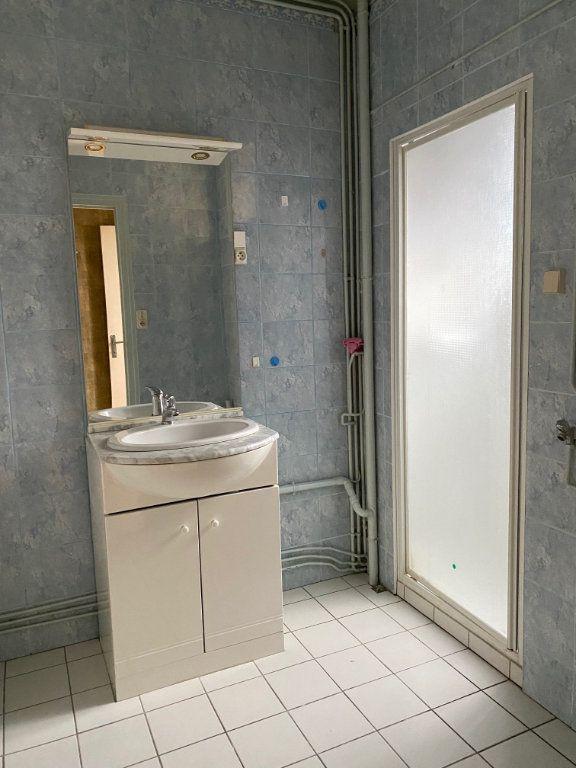 Maison à vendre 5 125.6m2 à Carhaix-Plouguer vignette-9