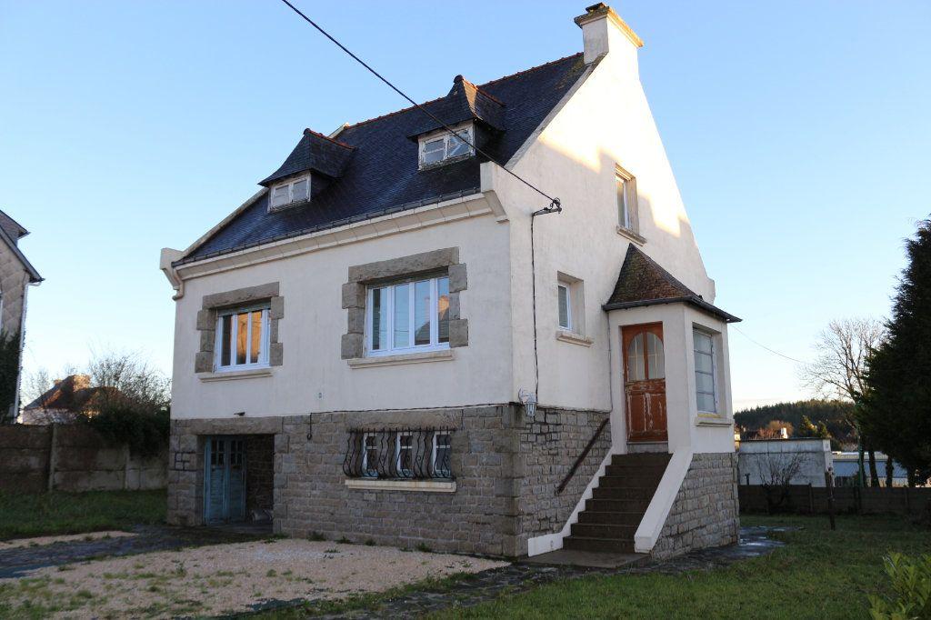 Maison à vendre 8 127m2 à Rostrenen vignette-1