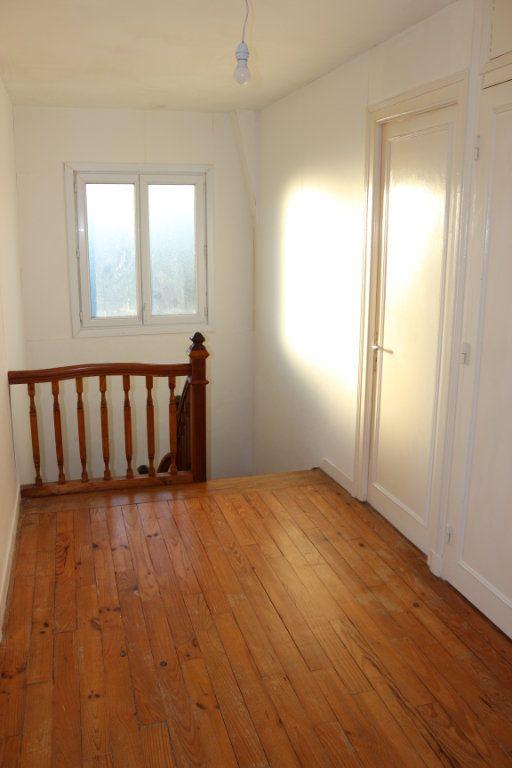 Maison à vendre 8 127m2 à Rostrenen vignette-10
