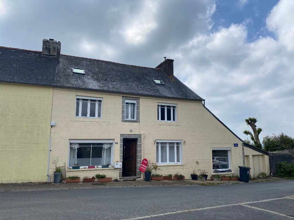 Maison à vendre 10 218m2 à Poullaouen vignette-1