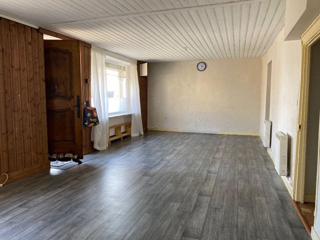 Maison à vendre 10 218m2 à Poullaouen vignette-2