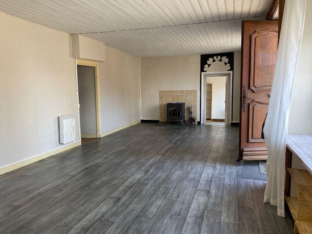 Maison à vendre 10 218m2 à Poullaouen vignette-3