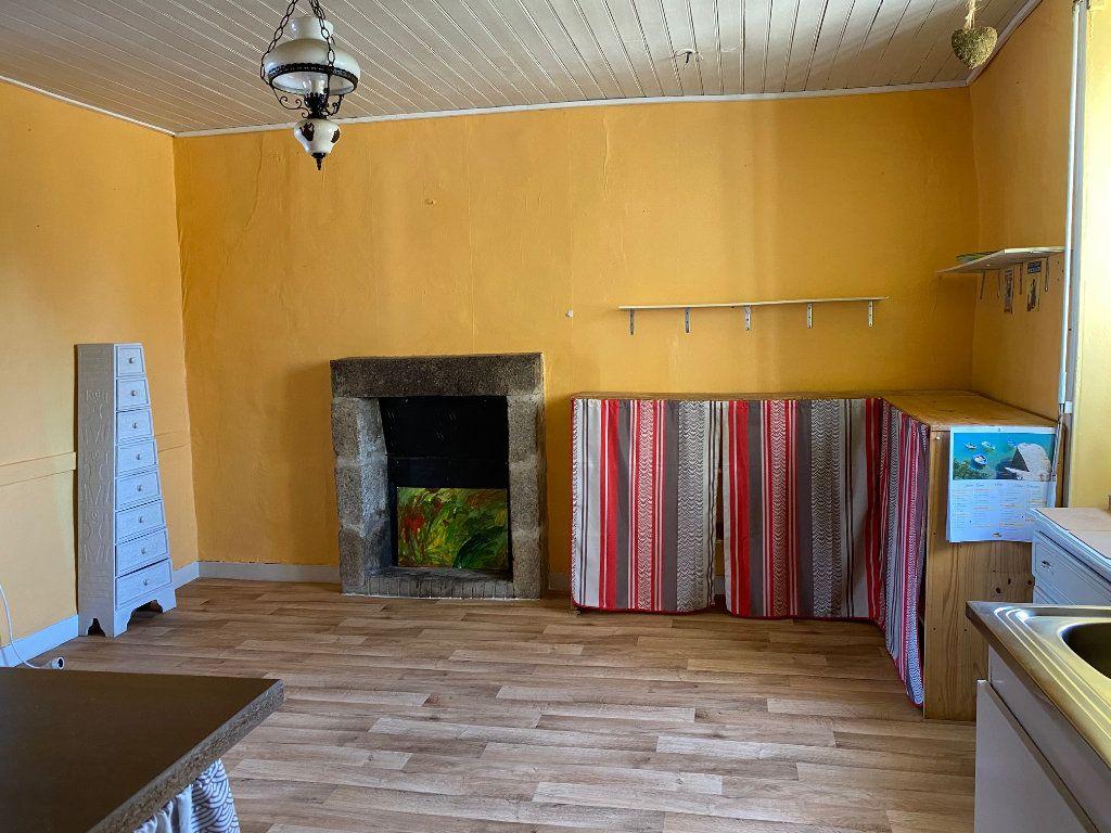 Maison à vendre 10 218m2 à Poullaouen vignette-4