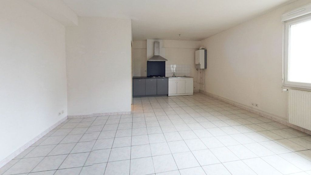 Appartement à louer 2 55.66m2 à Ploumagoar vignette-1