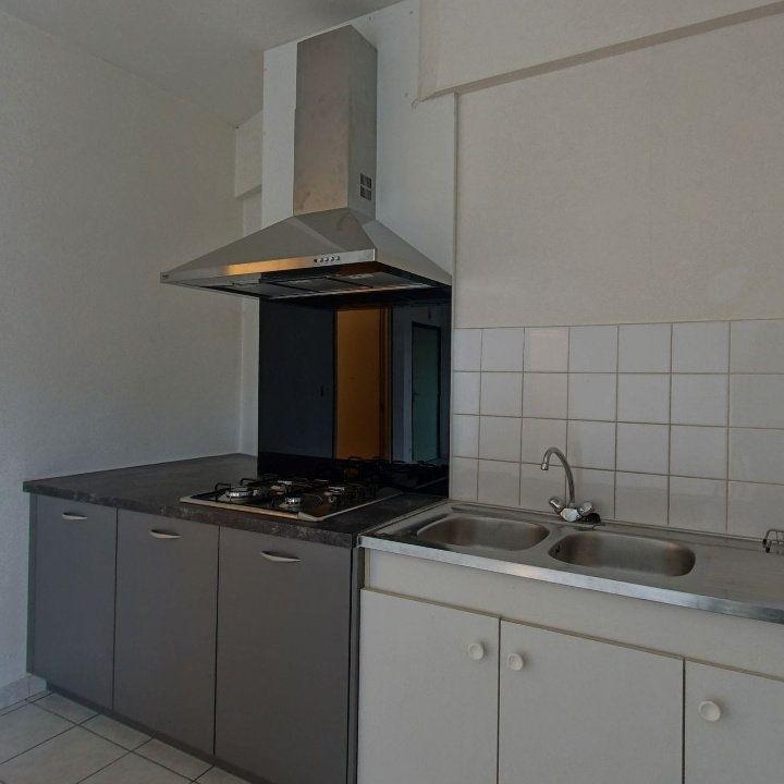 Appartement à louer 2 55.66m2 à Ploumagoar vignette-2