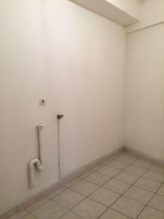 Appartement à louer 2 55.66m2 à Ploumagoar vignette-5
