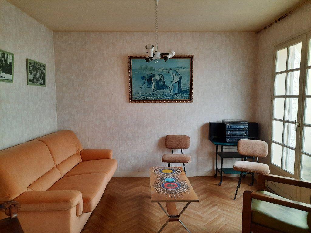 Maison à vendre 7 115m2 à Guingamp vignette-3