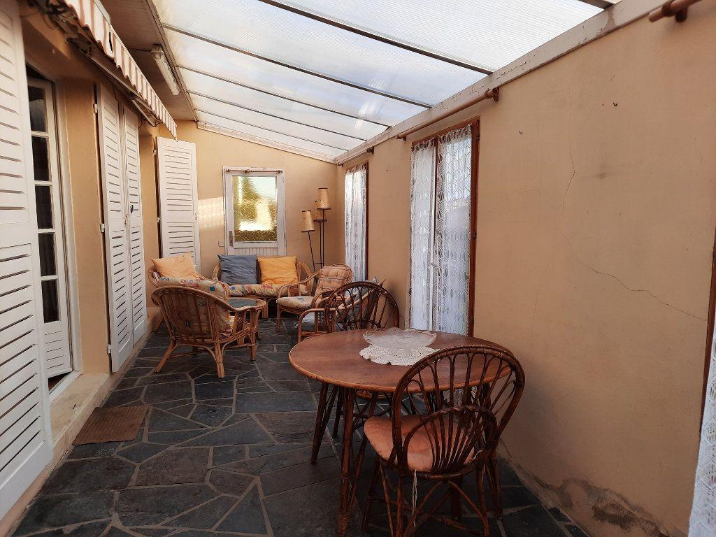Maison à vendre 7 115m2 à Guingamp vignette-4