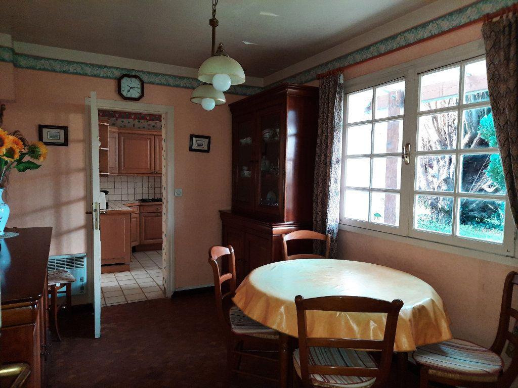 Maison à vendre 7 115m2 à Guingamp vignette-6