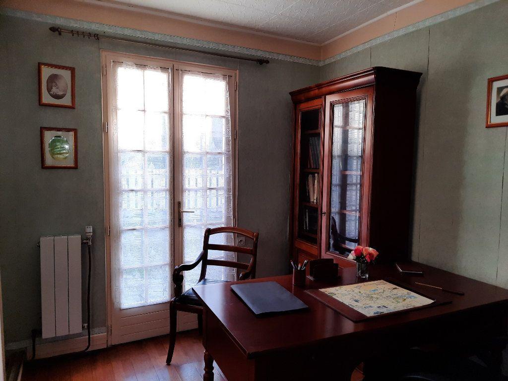 Maison à vendre 7 115m2 à Guingamp vignette-7