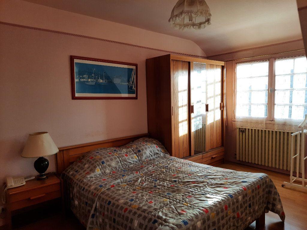 Maison à vendre 7 115m2 à Guingamp vignette-9