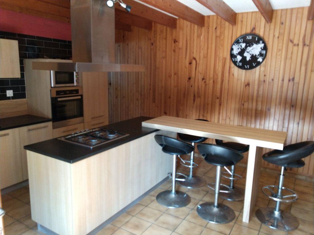 Maison à vendre 4 120m2 à Bourbriac vignette-4