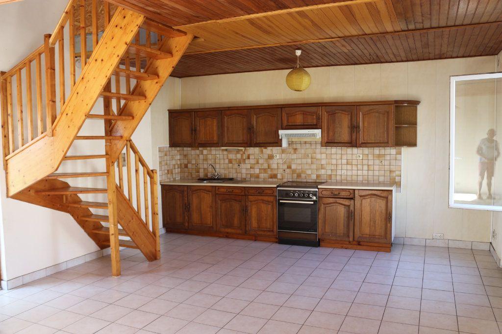 Maison à vendre 3 56.67m2 à Rostrenen vignette-2
