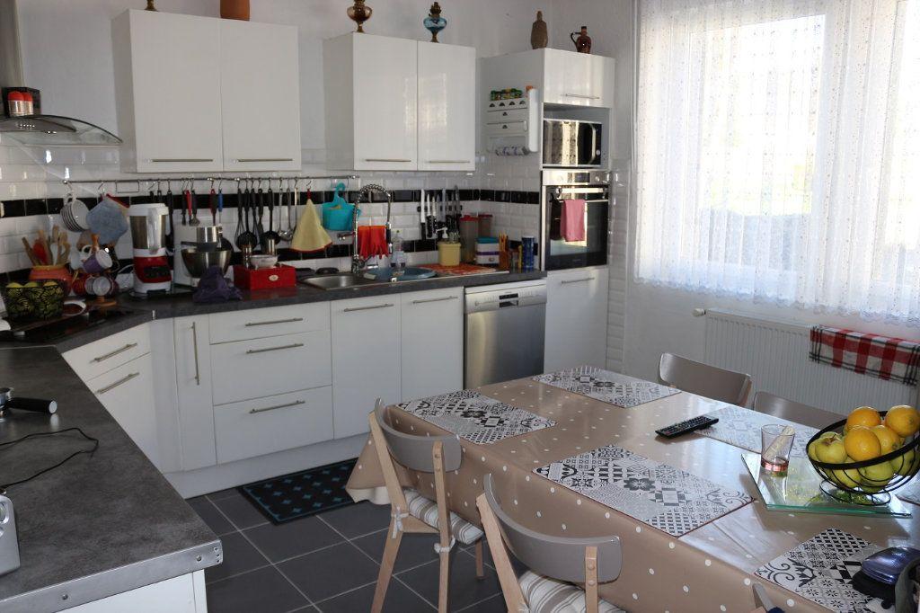 Maison à vendre 8 139m2 à Maël-Carhaix vignette-2