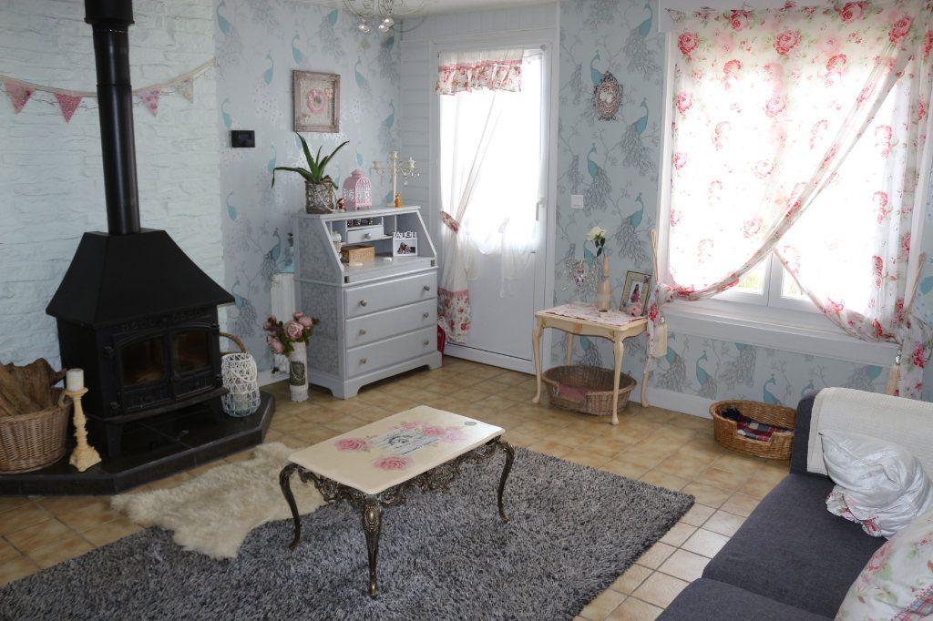 Maison à vendre 7 115m2 à Rostrenen vignette-3