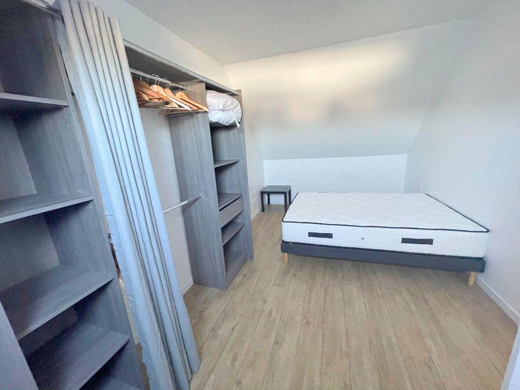 Appartement à louer 3 60m2 à Guingamp vignette-3