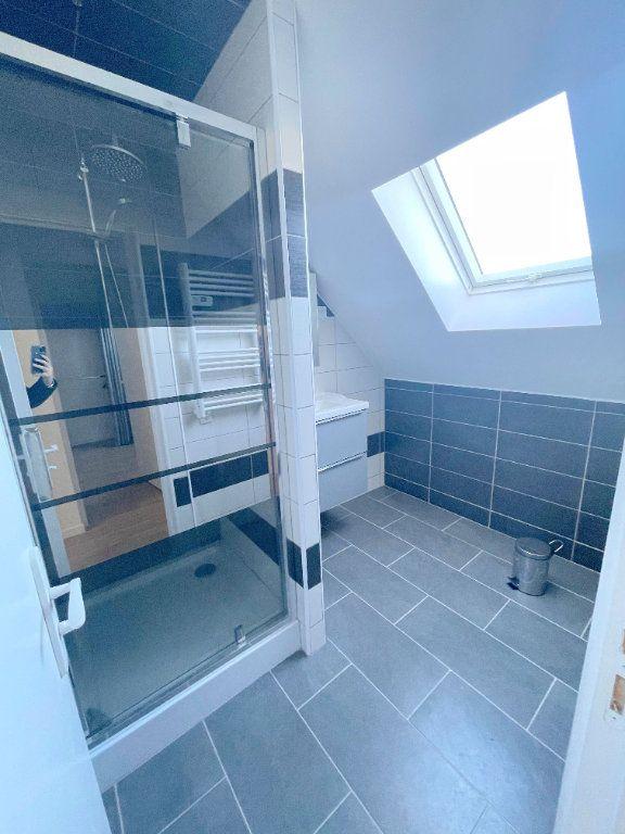 Appartement à louer 3 60m2 à Guingamp vignette-4
