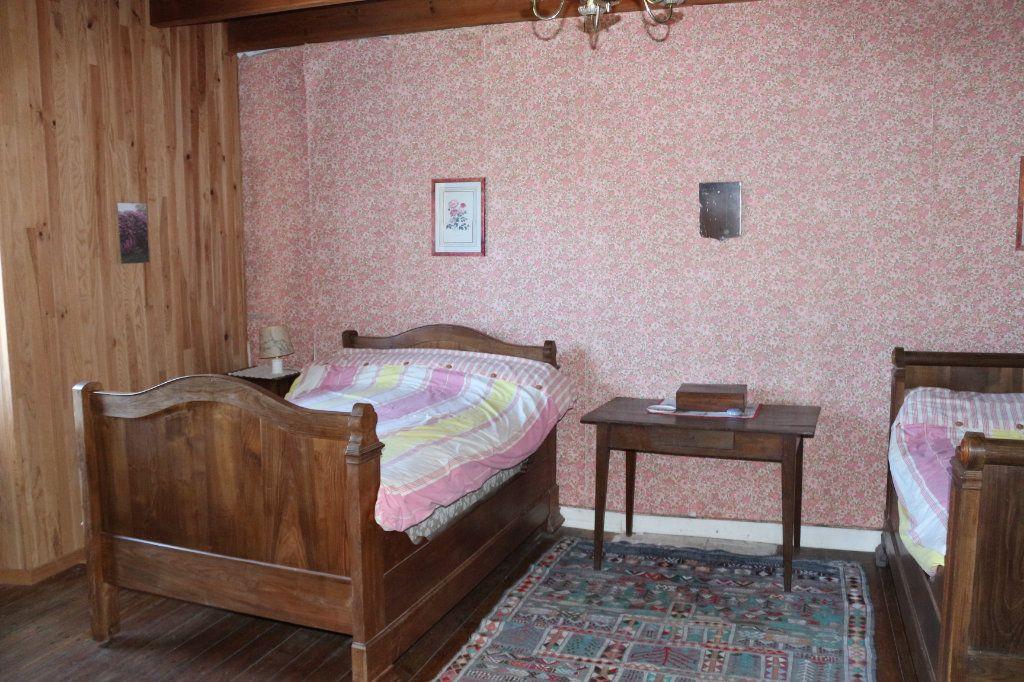 Maison à vendre 7 129.19m2 à Rostrenen vignette-9