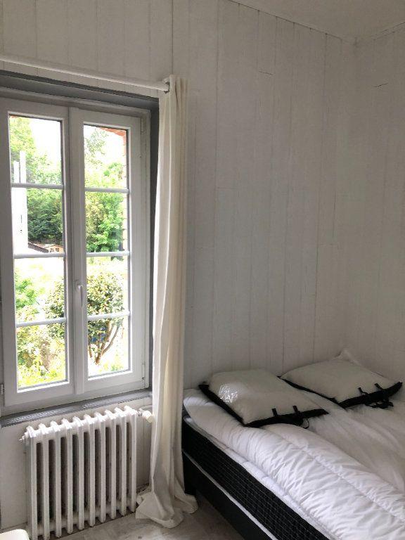 Appartement à louer 2 25m2 à Guingamp vignette-5