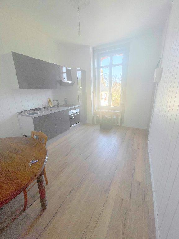 Appartement à louer 2 25m2 à Guingamp vignette-10