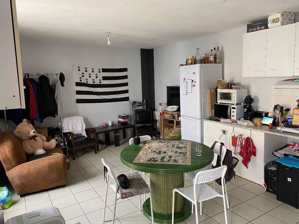 Immeuble à vendre 0 72m2 à Carhaix-Plouguer vignette-2