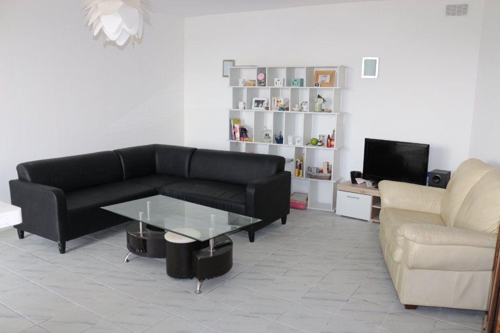 Maison à vendre 9 220m2 à Rostrenen vignette-4