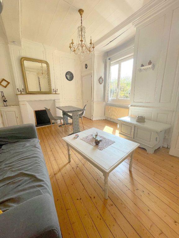 Appartement à louer 2 45.7m2 à Guingamp vignette-1