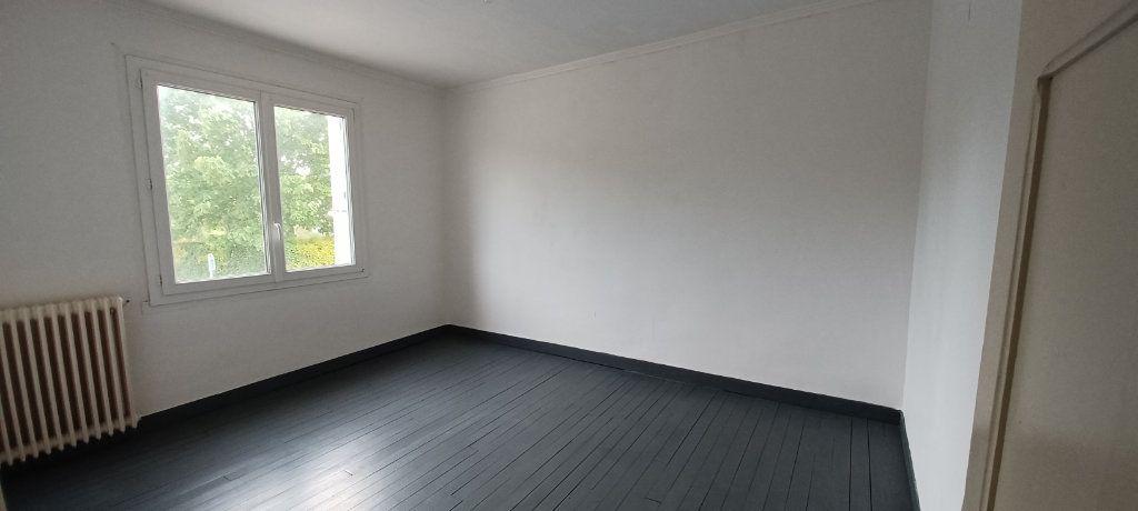 Maison à vendre 6 110m2 à Goudelin vignette-3