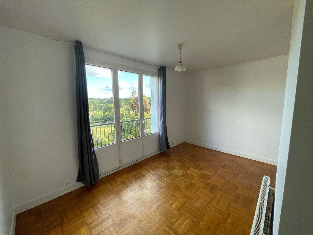 Appartement à louer 1 25.14m2 à Gourin vignette-1
