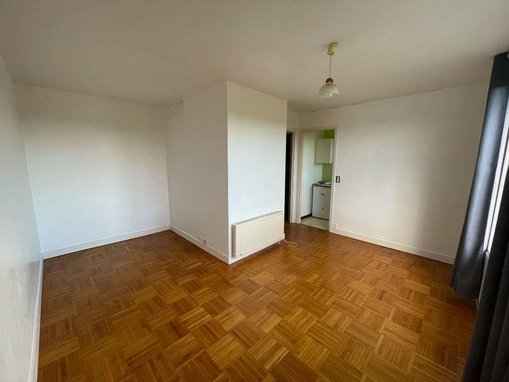 Appartement à louer 1 25.14m2 à Gourin vignette-2