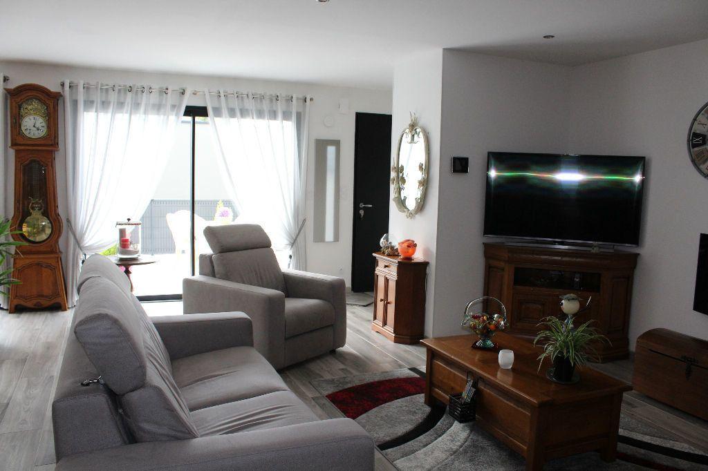 Maison à vendre 5 119.81m2 à Pordic vignette-5