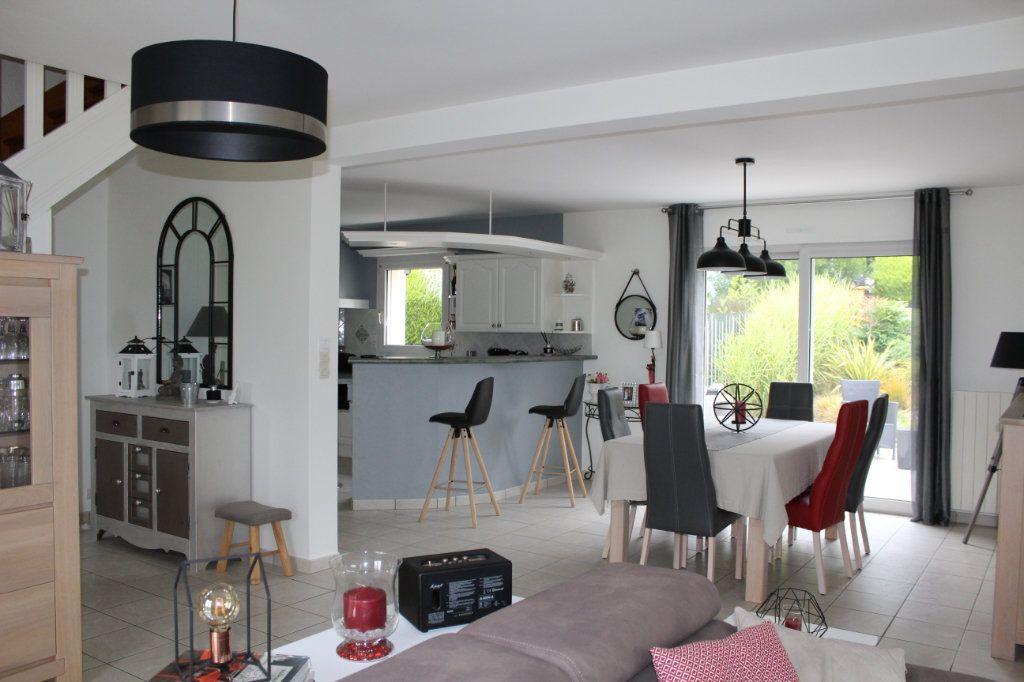 Maison à vendre 7 141.69m2 à Plédran vignette-2