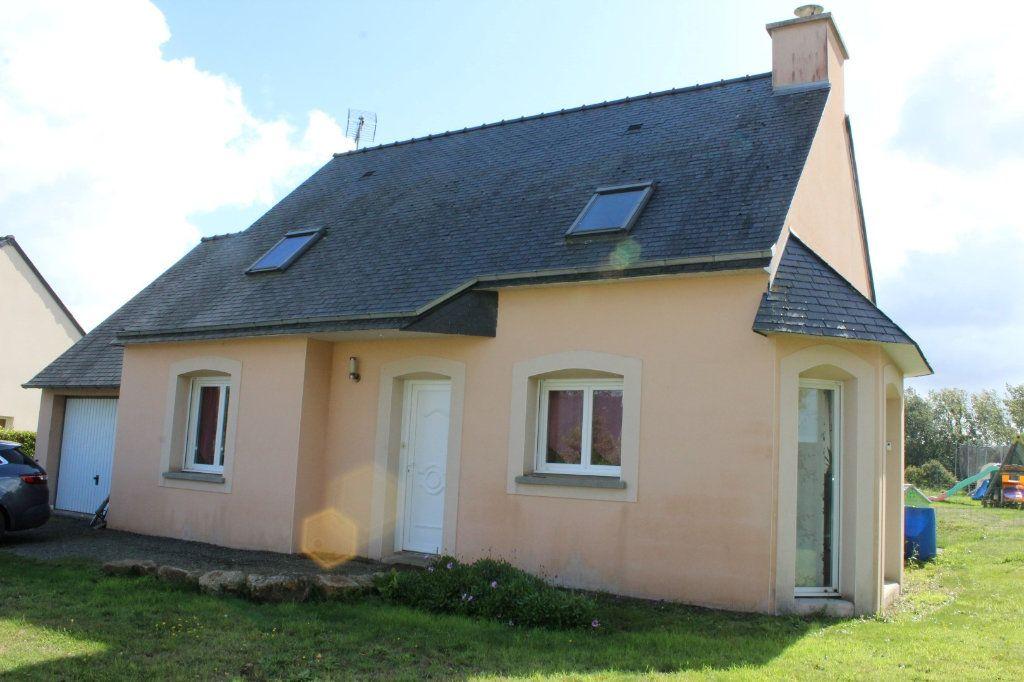 Maison à vendre 6 100.3m2 à Pléguien vignette-1