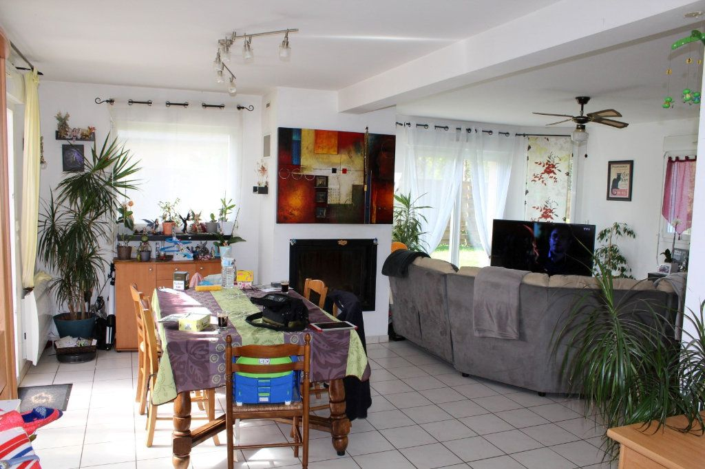 Maison à vendre 6 100.3m2 à Pléguien vignette-7