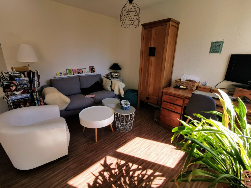 Appartement à vendre 4 87.05m2 à Saint-Nazaire vignette-2