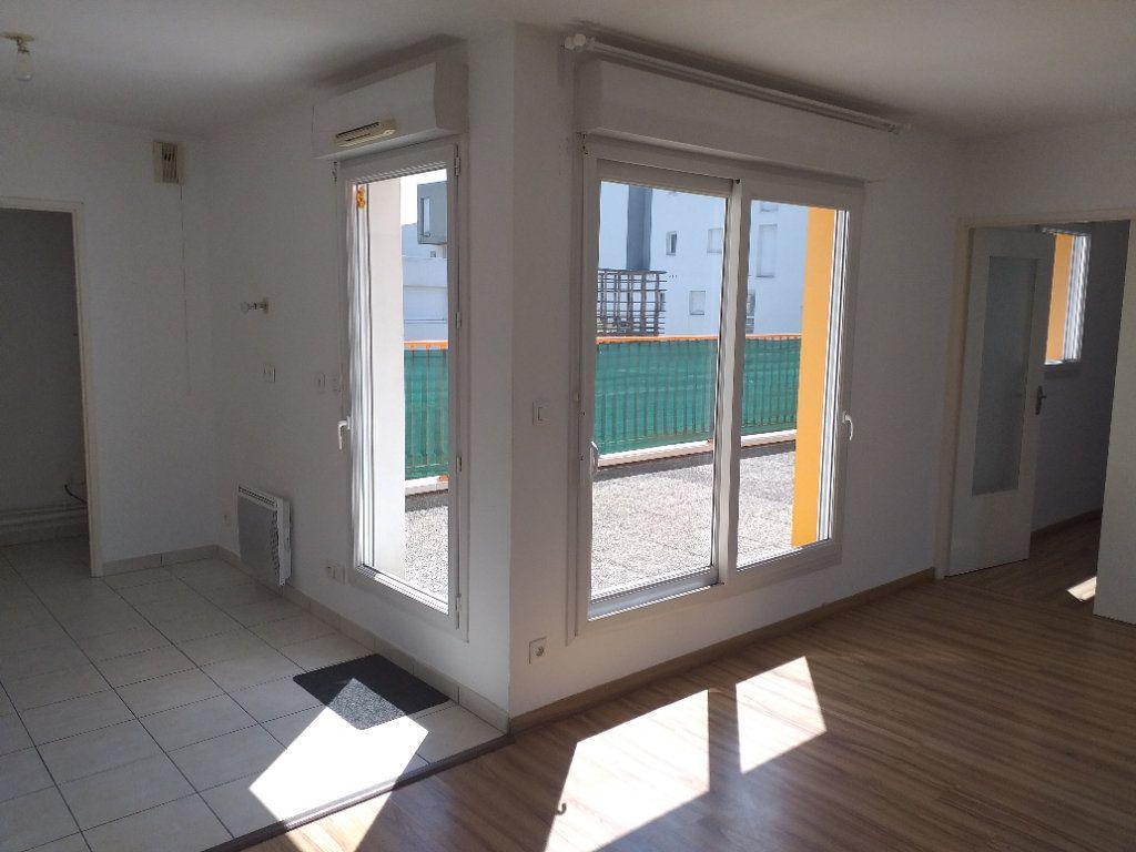 Appartement à vendre 2 53.67m2 à Saint-Nazaire vignette-1