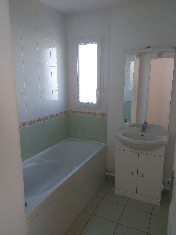 Appartement à vendre 2 53.67m2 à Saint-Nazaire vignette-6