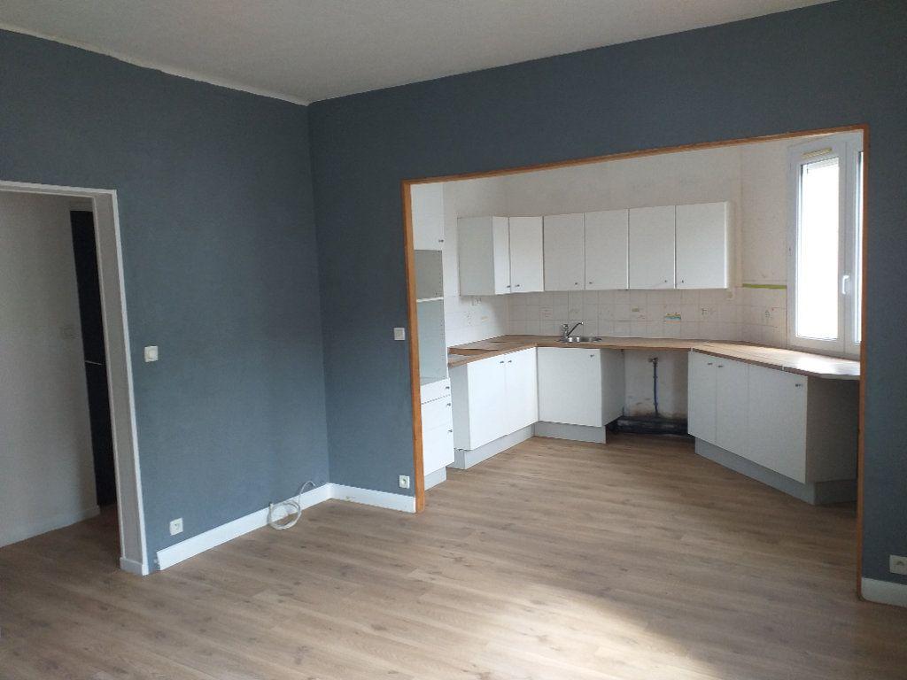 Appartement à vendre 5 78.76m2 à Saint-Nazaire vignette-1