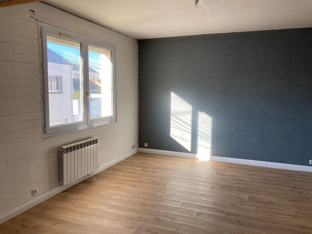 Appartement à vendre 4 77.91m2 à Saint-Nazaire vignette-1
