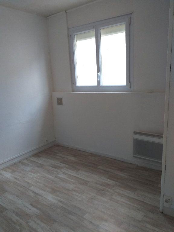 Appartement à vendre 5 78.76m2 à Saint-Nazaire vignette-4