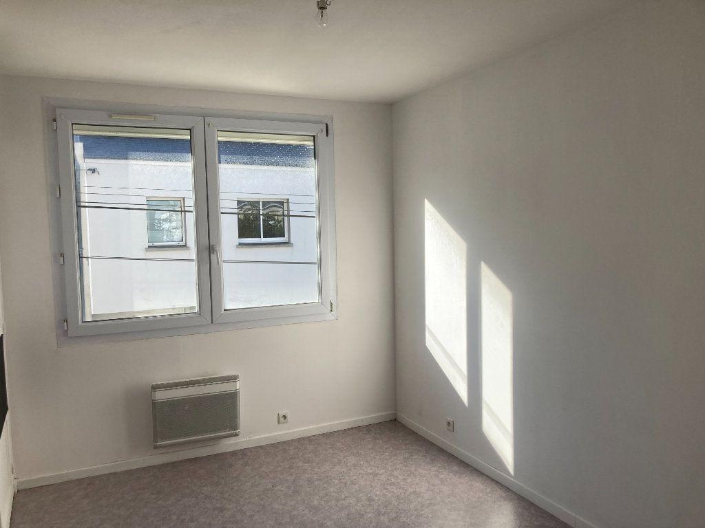 Appartement à vendre 4 77.91m2 à Saint-Nazaire vignette-4