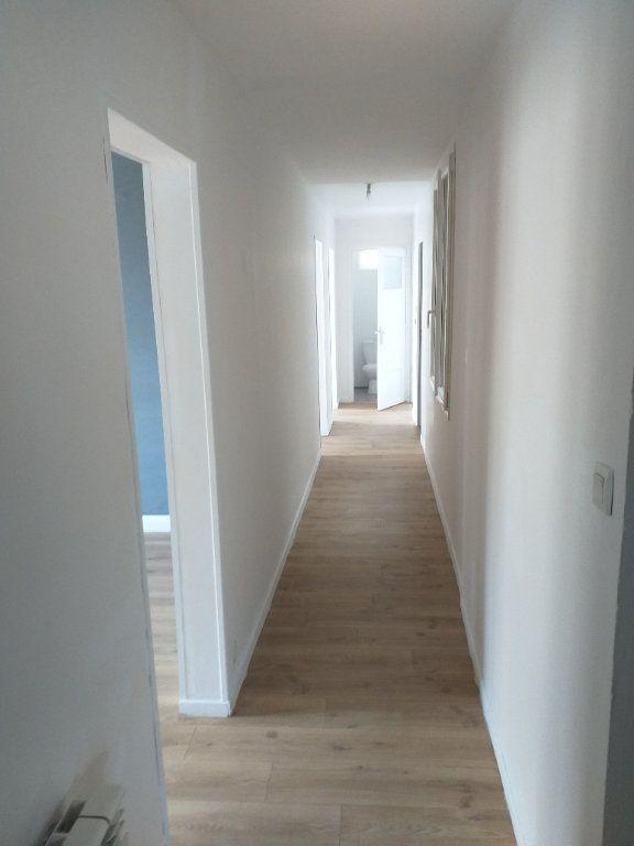 Appartement à vendre 5 78.76m2 à Saint-Nazaire vignette-6
