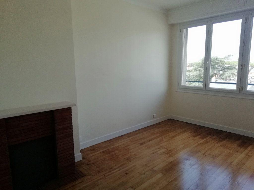 Appartement à louer 2 54.55m2 à Saint-Nazaire vignette-4