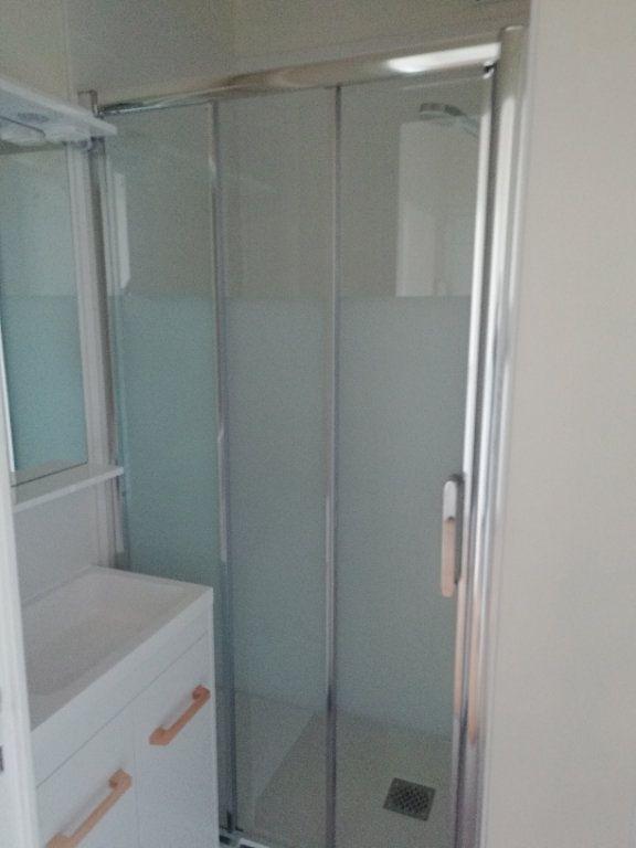 Appartement à louer 2 54.55m2 à Saint-Nazaire vignette-5