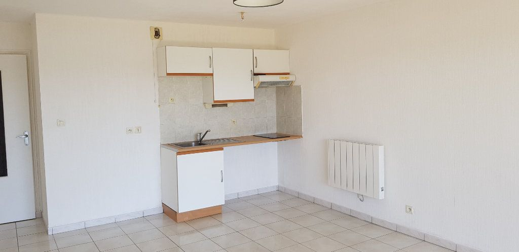 Appartement à louer 2 43.95m2 à Étel vignette-3