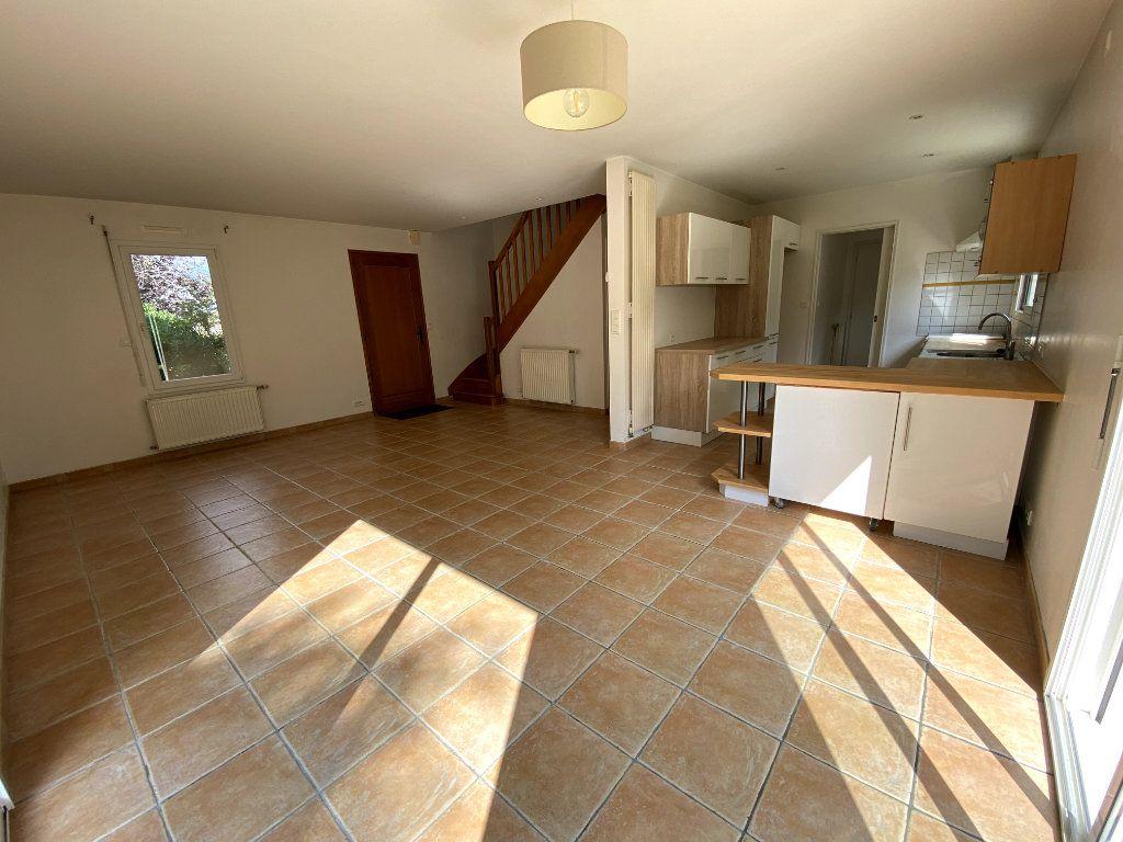 Maison à louer 5 91m2 à Pluneret vignette-2