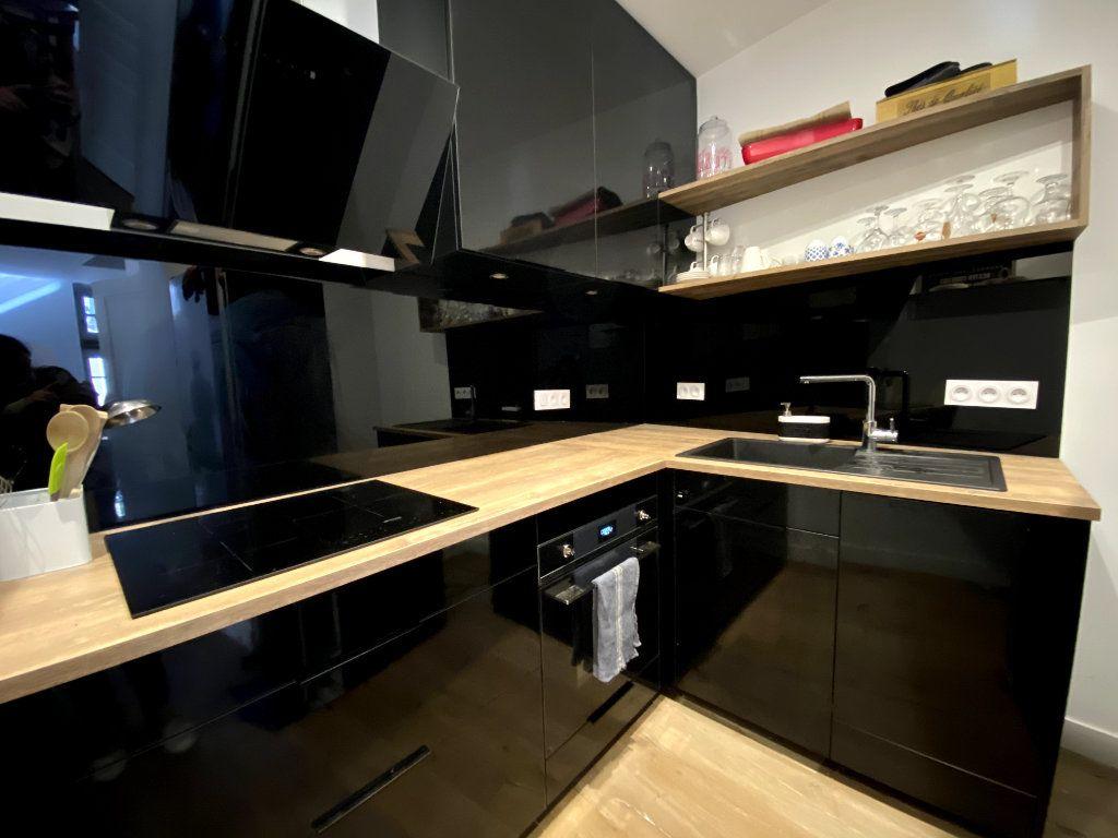 Appartement à louer 3 68.39m2 à Auray vignette-3