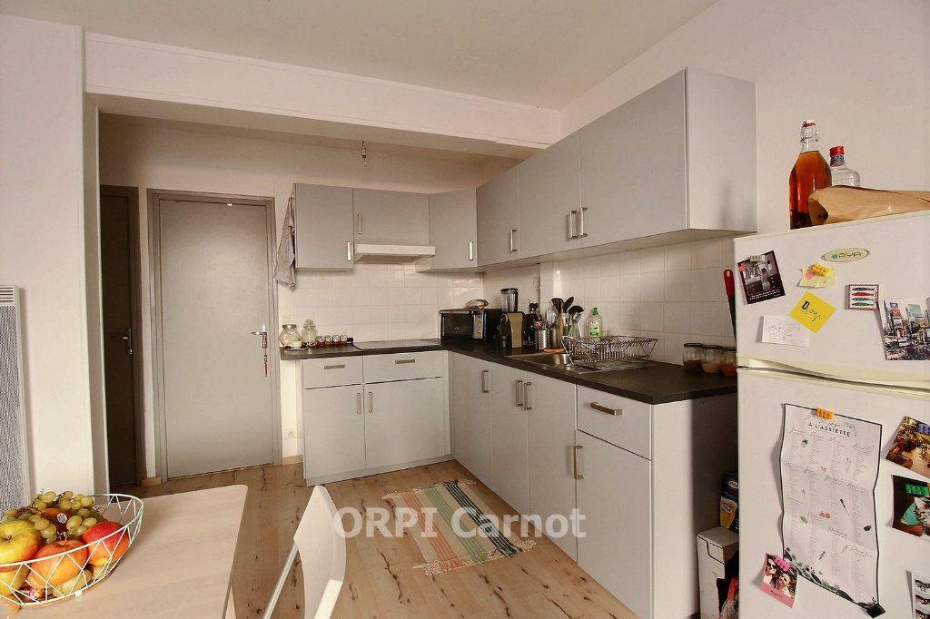 Appartement à louer 3 60.47m2 à Castres vignette-2