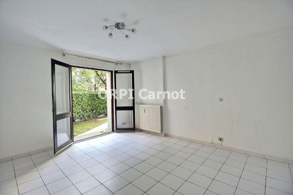 Appartement à louer 3 65m2 à Castres vignette-1